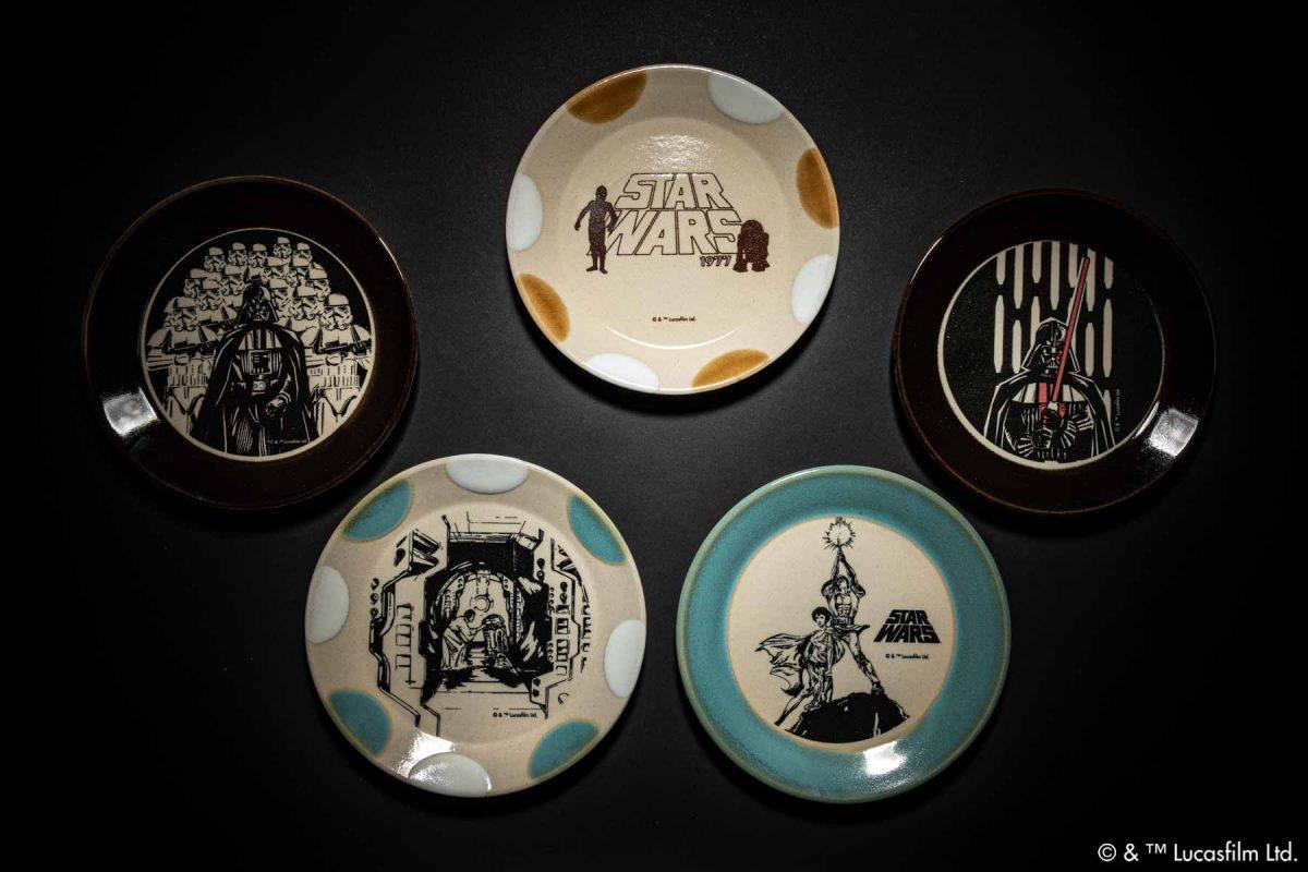 栃木県芳賀郡益子町の伝統工芸「益子焼」よりスター・ウォーズの世界を伝統釉で表現した益子焼テーブルウェアの登場です。
